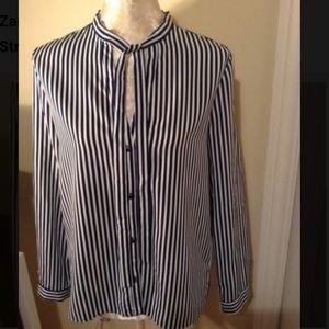 Like new Zara basic long sleeve shirt size medium